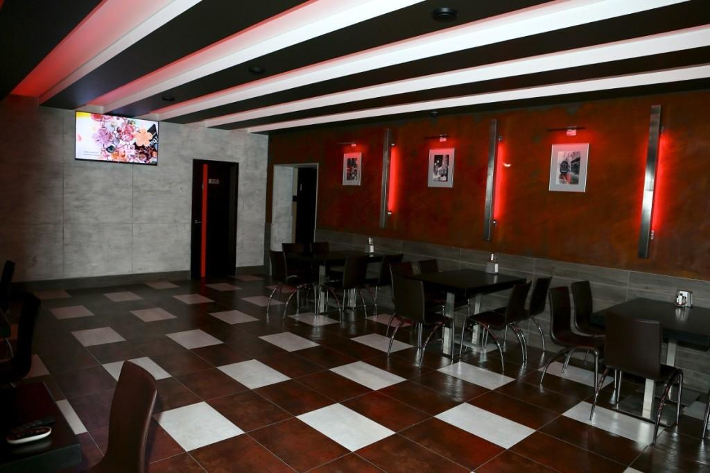 Дизайн интерьера кафе с использованием материалов Novacolor