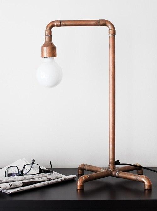Необычная медная настольная лампа в стиле лофт